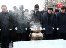 [경북도의회]경북도, 충혼탑 참배와 시무식으로 2018 힘찬 출발